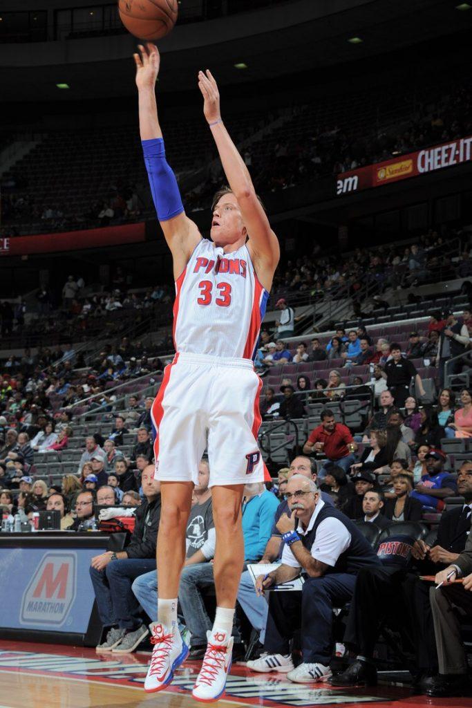 Jonas Jerebko playing for the Detroit Pistons